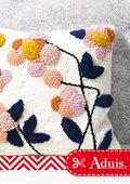 Punch-Needle Kissen mit Blumenmuster