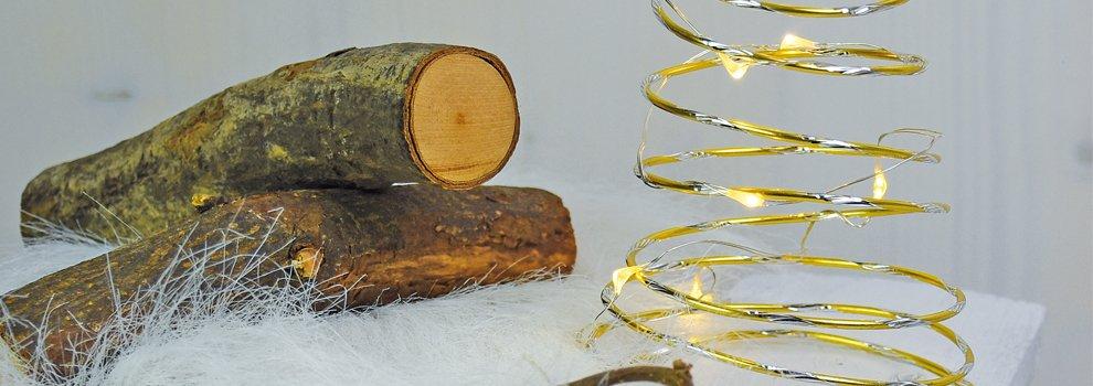 Drahtbaum mit Lichterkette