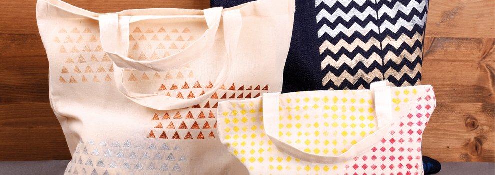 Kreativ verzierte Einkaufstaschen