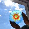 Leuchtende Sonnenscheiben aus Colouraplast