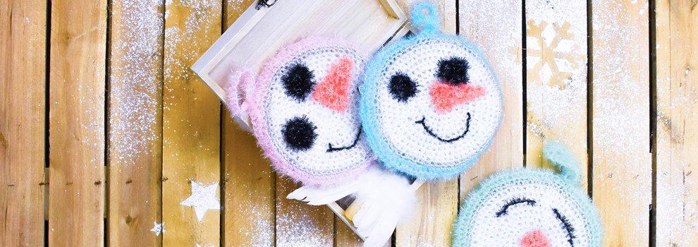 Süße Schneemännchen-Spülschwämme