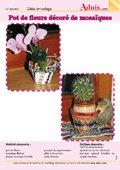 Pot de fleurs décoré avec des mosaïques