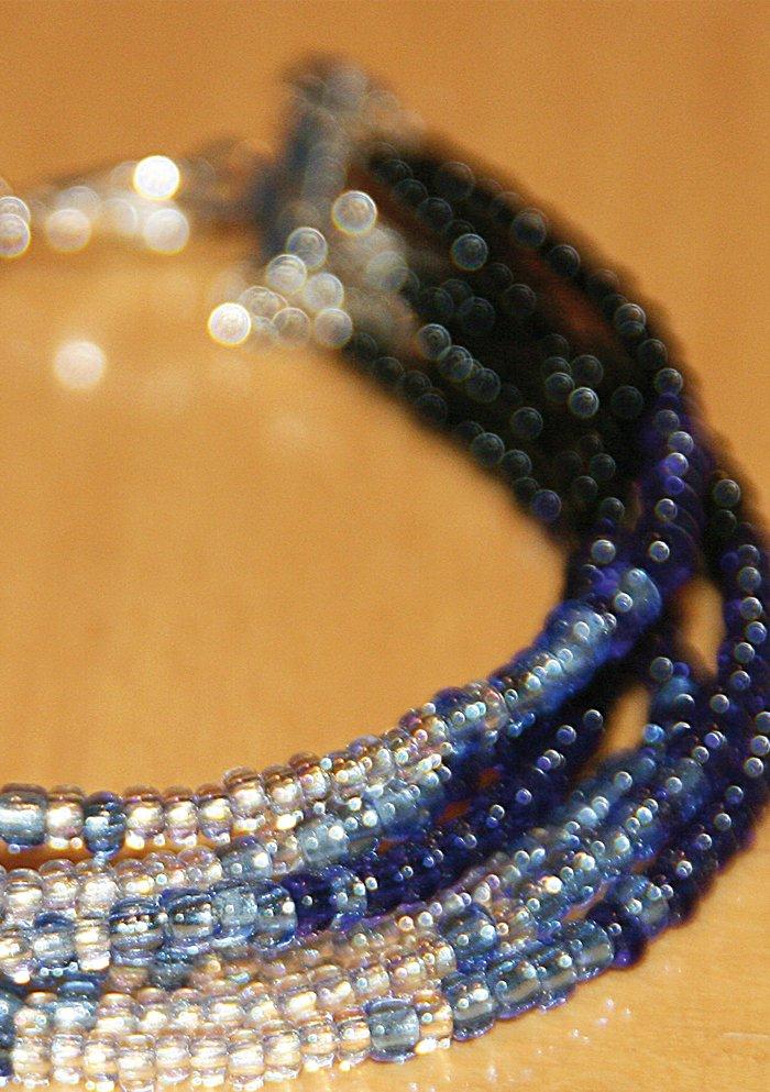 Bracelet élégant dans des tons bleus