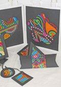 Emballage-cadeaux avec images à colorier