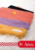 Pochette tablette, tricotée et feutrée