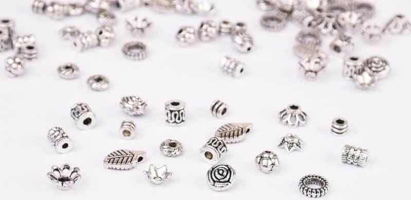Assort. perles antiques - métal, petit