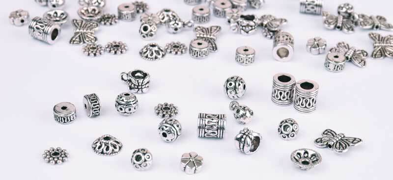 Assort. perles antiques - métal, grand