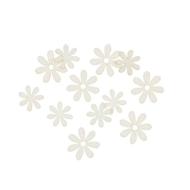 Vilten decoratie delen - bloemen, crème