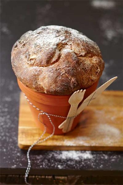 Buch - Brot in Tontöpfchen