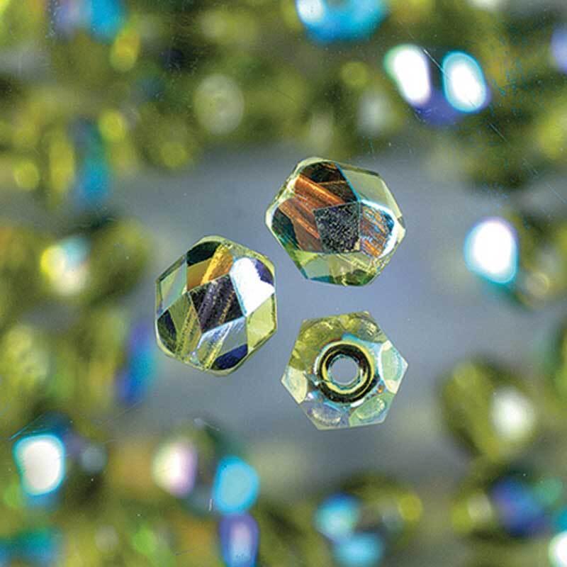 Geslepen glaskralen - Ø 4 mm, olijf